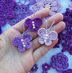 Crochet butterfly pattern by bautawitch – Artofit You can find more step by step here: Crochet flowers No photo description available. Crochet Butterfly Free Pattern, Crochet Birds, Crochet Motifs, Crochet Flower Patterns, Crochet Flowers, Crochet Chain, Flower Applique, Crochet Lace, Borboleta Crochet