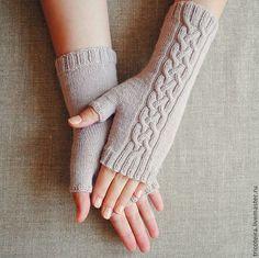 Fingerless Gloves Knitted, Knit Mittens, Knitting Socks, Hand Knitting, Knitted Hats, Crochet Gloves Pattern, Knit Crochet, Knitting Stitches, Arm Warmers