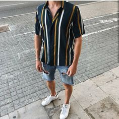 Stunning 30 Vintage Summer Outfits Ideas That You Must Try Nowaday Stunning 30 Vintage Summer Outf Vintage Summer Outfits, Spring Outfits, Beach Outfits, Mode Masculine, Mens Clothing Styles, Men Casual, Casual Outfits, Casual Summer Outfits For Guys, Casual Tops