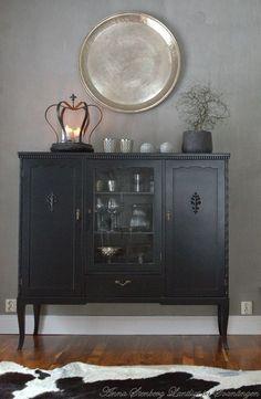 Så här inreder jag just nu. Upcycled Furniture, Antique Furniture, Painted Furniture, Home Furniture, Home Interior, Interior And Exterior, Interior Decorating, Interior Design, Vintage Lockers