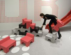 Puzzle Chairs • © leoniejanssen.nl