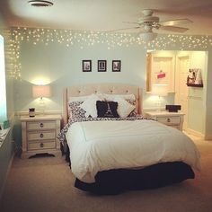We just love #twinkly #lights! Do you? Regram from @sparklejewelz #decor #design #teenroom #girlsroom #bedroom #turquoise #christmaslights