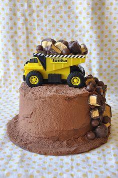 New tonka truck cake chocolates Ideas Digger Birthday Cake, Digger Cake, Truck Birthday Cakes, Sons Birthday, Bulldozer Cake, Tonka Truck Cake, Dump Truck Cakes, Cakes To Make, Sweets