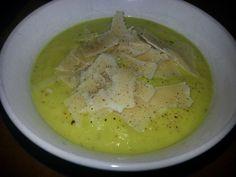 Roasted Cauliflower and Garlic Soup with Leeks