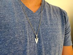 *** SHIPPING TO THE U.S WITHIN 5 BUSINESS DAYS, EXPRESS UPGRADES AVAILABLE TOO *** Looking for a gift for your man? Youve found the perfect item for this! The simple and beautiful necklace features blackend silver plated chain with a spear pendant. Available in two lengths: 20 (51cm ), 25