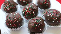 Bringing desserts to a holiday party, or want some to snack on during the holidays at home? These Holiday Peanut Butter Balls are absolutely delicious!
