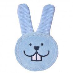 Odontopediatras e especialistas estão de acordo eles recomendam iniciar a higiene bucal desde que o bebê nasce,para remover as bactérias e habituá-los à rotina da higiene bucal. Pensando nisso, a MAM desenvolvemos o Oral Care Rabbit.
