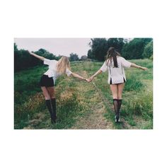 OMG we should have one day where we walk all around town taking best friend pics