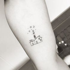 "6,095 Likes, 92 Comments - Little Tattoos (@little.tattoos) on Instagram: ""Fine line style #flower #tattoo by Nando @nandotattooer Seoul, Korea #littletattoos #smalltattoos…"""