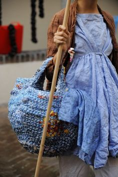 Daniela Gregis ~ Love this bag........ this is done from knitting rag, as you would a rag rug, work your base, work out shape and stitch numbers for the body, and likely, continue @ the appropriate point for handles.  Want to give this a try!!