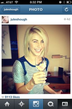 Someone stop me!! I really want to cut my hair like this!