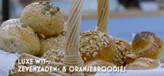 Heel Holland Bakt Zeven zaden broodjes, luxe witbroodjes en oranje brood