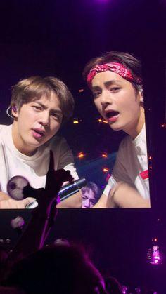 Love Yourself World Tour in Chicago 2018 Seokjin, Namjoon, Taehyung, Jimin, Bts Bangtan Boy, Foto Bts, Rap Monster, K Pop, Bts Show