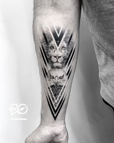 ▷ 1001 + tattoo ideas for men + info about the most popular designs - forearm tattoo man, wolf with compass and geometric elements, blackwork - Ink Tattoo, Tattoo Band, Mehndi Tattoo, Body Art Tattoos, Sleeve Tattoos, Samoan Tattoo, Polynesian Tattoos, Hand Tattoos, Wolf Tattoos