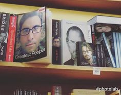 Sonunda kitabım raflarda yerini aldi �� #inshot #çizim #photo #blackandwhite #yağlıboya #karakalem #sanat #art #kurufırçatekniği  #fotograpia #fotoğraf #portre #portrait #pictures #smile #follow4follow #like4like #instamood #galeri #blackpencil #amazing #drybrush #akademi #photooftheday #blackwhitephoto #drawing #oilpaint #drybrush #bookstagram http://turkrazzi.com/ipost/1521713616092746870/?code=BUeNnixFVR2