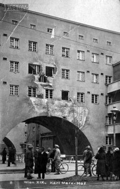 Karl Marx Hof, Wien Karl Marx, Austro Hungarian, Vienna Austria, City Architecture, Old Pictures, Hungary, Black And White Photography, Vintage Photos, Monochrome