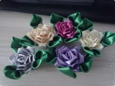 ROSE TUTORIAL, ANOTHER PETAL FOLD SHOWN Master class Tsumami Kanzashi: Satin Rose Ribbon.  Photo 1