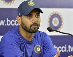 बेंगलुरु- भारतीय टेस्ट ओपनर मुरली विजय ने टीम इंडिया के नये कोच और पूर्व क्रिकेटर अनिल कुंबले की तारीफ की है और कहा कि कुंबले सर को क्र�