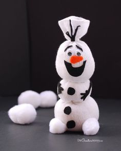 Check out this adorable Olaf Sock Snowman tutorial! Frozen fans are sure to love it!