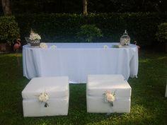 Romantic decoration with cages for civil ceremony  Decorazione romantica per cerimonia con giardini floreali in gabbie di ferro battuto www.taniamuser.com