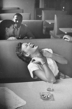 Lisa Larsen - Syracuse University, 1949 Black and White Photography Your Smile, Make You Smile, Foto Fashion, Vintage Photographs, Black And White Photography, Old Photos, Laughter, In This Moment, Feelings