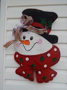 Burlap Snowman Door Hanger by TickledPinkRhyne on Etsy Noel Christmas, Christmas Signs, Christmas Wreaths, Christmas Ornaments, Etsy Christmas, Snowman Crafts, Christmas Projects, Holiday Crafts, Snowman Door