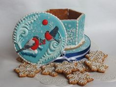 Торты, пряники на заказ в Харькове | ВКонтакте Cute Christmas Cookies, Xmas Cookies, Christmas Gingerbread, Cute Cookies, Christmas Treats, Gingerbread Cookies, Royal Icing Transfers, Paint Cookies, Edible Cookies