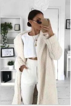 🤩👛👘👞🙂🙂💼🤪🧦 Winter Coats Women, Coats For Women, Clothes For Women, Beige Aesthetic, Aesthetic Fashion, Fur Coat Outfit, Black Girl Fashion, Fall Fashion, Faux Fur Jacket
