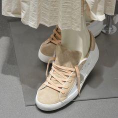 #Sneakers uomo/donna in vetrina a #SanBenedettodelTronto con #Premiata #PhilippeModel #Novesta