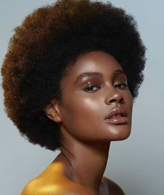 Makeu The post ✨Magic✨. Makeu appeared first on Makeup. Black Girls Hairstyles, African Hairstyles, Afro Hairstyles, Gold Eyeliner, Black Power, Makeup Trends, Curly Hair Styles, Natural Hair Styles, Protective Hairstyles For Natural Hair