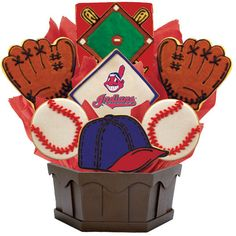 Root for the Chicago Cubs with our cookie bouquet that also makes a great gift for those die hard Cubs fans! (Cookies by Design) Chicago Cubs Cake, Chicago Cubs Gifts, Baseball Party, Baseball Stuff, Baseball Odds, Baseball Cakes, Softball Party, Cubs Baseball, Cubs Wallpaper