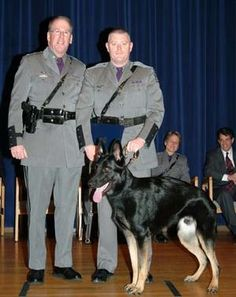 Marcy state police unit among 12 K-9 graduates http://www.uticaod.com/police_fire/x1926892413/Marcy-state-police-unit-among-12-K-9-graduates#