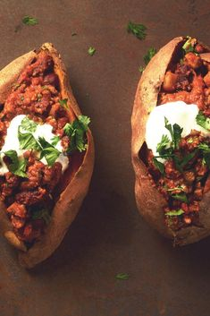 Meatless Chili Stuffed Sweet Potatoes Get inspired and try this delicious Stuffed Chili Loaded Sweet Potatoes Recipe, using Quorn Meatless Grounds. Enjoy meatless alternatives with Quorn. Tasty Vegetarian Recipes, Vegetarian Appetizers, No Dairy Recipes, Cooking Recipes, Healthy Recipes, Quorn Recipes, Veggie Recipes, Whole Food Recipes, Recipes With Mince
