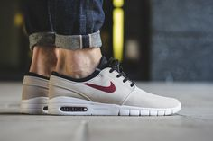 "Nike SB Stefan Janoski Max Suede ""Light Bone & Team Red"""
