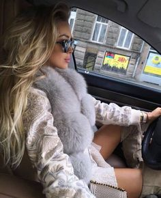 Uploaded by ♛LUL♛. Find images and videos about girl, fashion and style on We Heart It - the app to get lost in what you love. Fur Fashion, Love Fashion, Winter Fashion, Womens Fashion, Female Fashion, Fashion Beauty, Rich Girls, Alena Shishkova, Fox Fur Coat