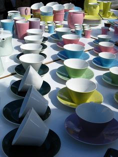 Lilien Porzellan, Austria Austria, Tea Cups, Daisy, Action, Colour, Canning, Mugs, Glass, Furniture