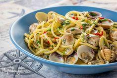 Volete la ricetta degli spaghetti alle vongole cremosi (e senza sabbia) come quelli del ristorante? Vi svelo il segreto! Buona lettura!