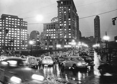 Fuscas no Viaduto Dona Paulina, cruzamento com a avenida Brigadeiro Luis Antônio em foto de 24/5/1972.