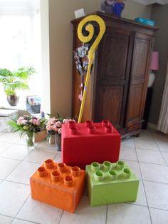 Onze lego surprise voor pakjes avond 2013. Staf kregen we er niet in.. ;)