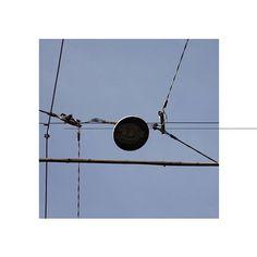 #bologna #bolognacittà #bolognaart #rete #ragnatela #cielo #web #lines #order #art #arte #morning #sky #energy #highvoltage #altatensione #net #colors🎨 #color #blu #moments #square #november #winter #beauty