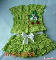 crochet beauty green jacket and skirt for girl