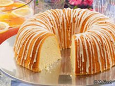 Million Dollar Pound Cake ~ This incredible pound cake is one in a million. That's why we call it our Million Dollar Pound Cake! Made from a few basic ingredients you probably always have on hand, this pound cake recipe surely takes the cake! Fancy Desserts, Köstliche Desserts, Dessert Recipes, Food Cakes, Cupcake Cakes, Cupcakes, Million Dollar Pound Cake, Bunt Cakes, Pound Cake Recipes