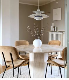 Dining Chairs, Dining Table, Interior Design, Instagram, Diy, Inspiration, Furniture, Home Decor, Love At First Sight