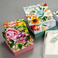 Elephant / Final Project by Tamar Gil, via Behance. Lovely flowered #packaging PD