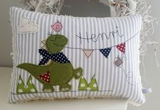 Pillow Dino Name Pillow Cuddly Pillow Free Motion Embroidery, Machine Embroidery Applique, Embroidery Patterns, Sewing Crafts, Sewing Projects, Cuddle Pillow, Baby Applique, Dinosaur Nursery, Baby Dinosaurs