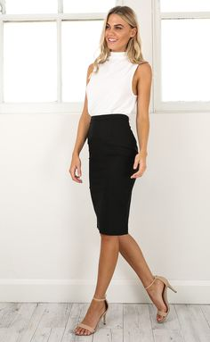 Work outfits on a budget - business professional outfits on a budget Summer Business Attire, Business Professional Outfits, Business Casual Outfits, Office Outfits, Business Fashion, Young Professional, Office Wear, Office Wardrobe, Business Formal