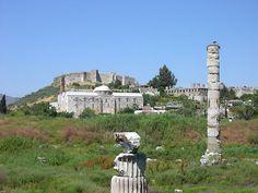 El Templo de Artemisa fue un templo ubicado en la ciudad de Éfeso, Turquía, dedicado a la diosa Artemisa, denominada Diana por los romanos. Su construcción fue comenzada por el rey Creso de Lidia y duró unos 120 años. El Templo de Artemisa fue destruido por un incendio, provocado por un hombre llamado Eróstrato, en el año 356 a. C.https://es.wikipedia.org/wiki/Templo_de_Artemisa_(%C3%89feso)#/media/File:Ac_artemisephesus.jpg 09-10-2016 12:58
