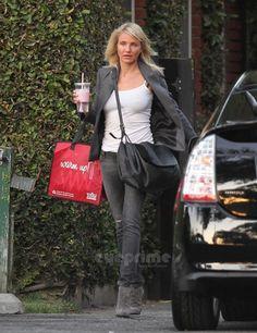 Cameron Diaz wearing Bottega Veneta Flap Messenger Bag Out in Beverly Hills  on October 27 2011 1406ea215994c