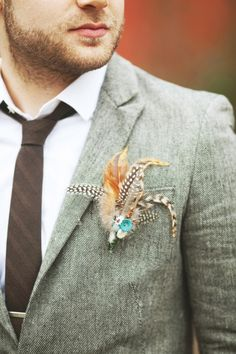 feather boutonnieres #grooms