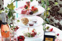 「ストロベリー アフタヌーンティー」をラ・スイート神戸で - 柔らかな求肥を纏ったイチゴや生ハム